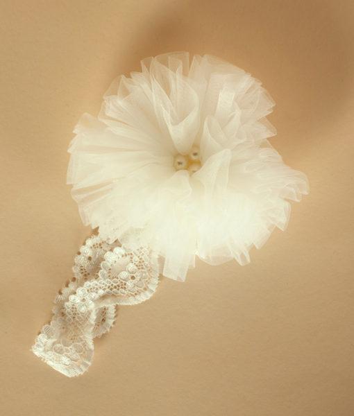 Bentita cu pompon din tull-alb-ivoire-2